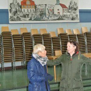 Bettina Müller mit Bürgermeisterin Pfeiffer-Pantring