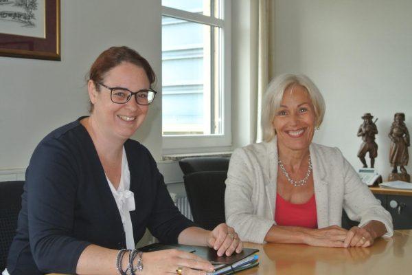 Bettina Müller und Lisa Gnadl im Gespräch